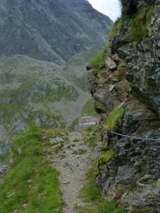 Innsbrucker Hütte näkyy!